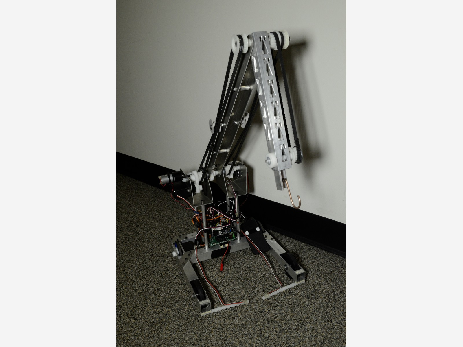 finished robot battlebot by ryan fish in mit course 2.007