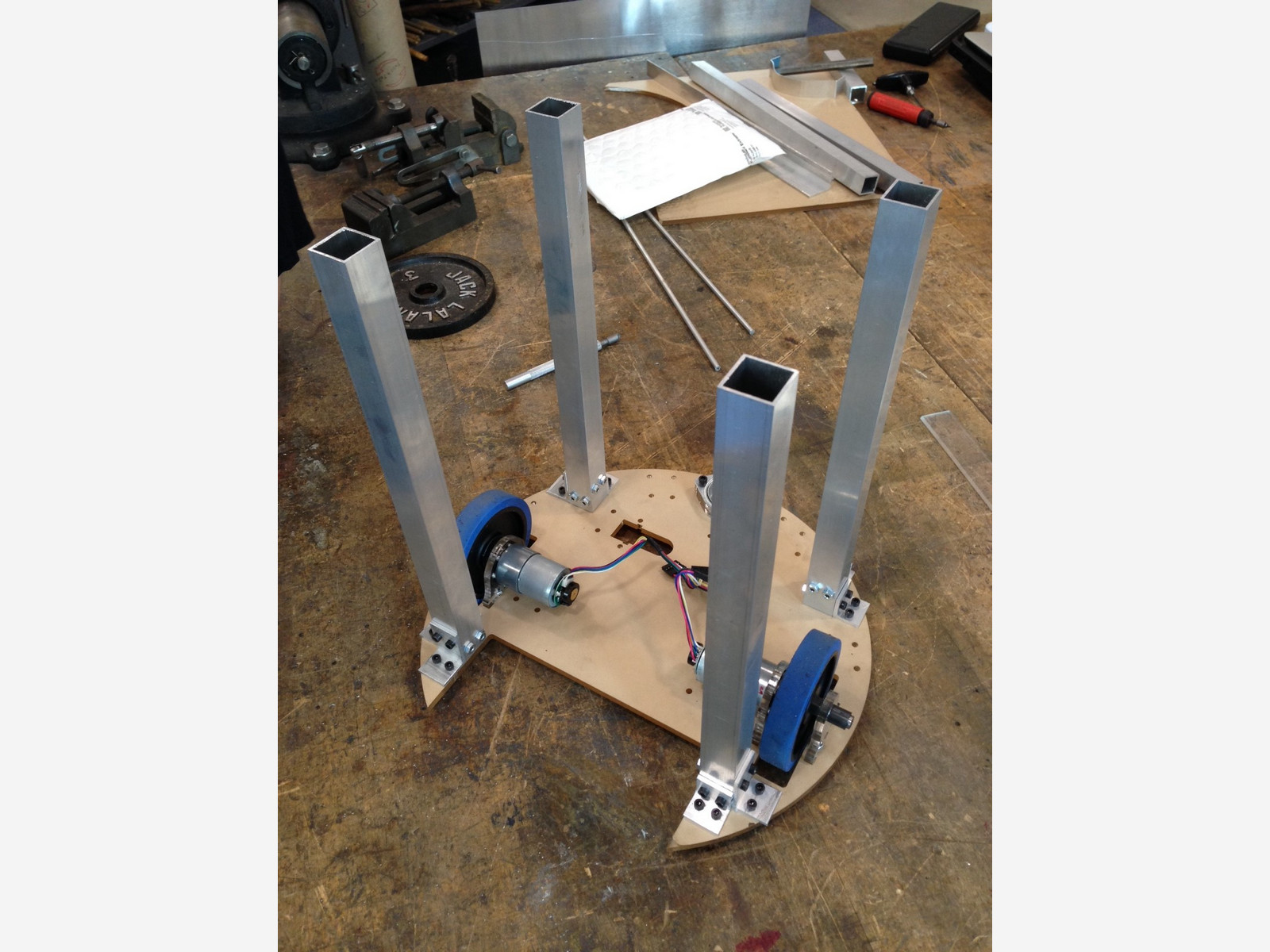 team 9 mit maslab robot base and mounting structure